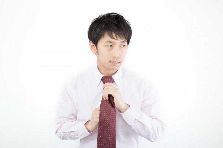 デキる男はネクタイの締め方にもこだわる